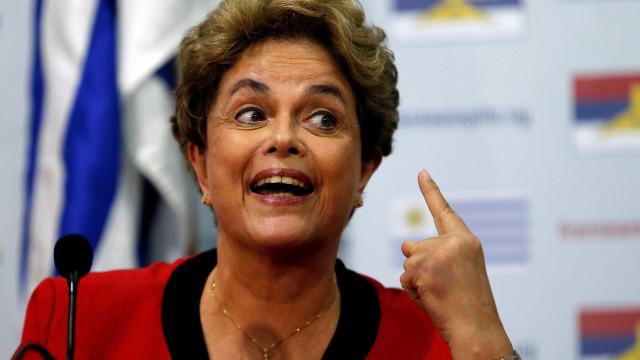 Defesa de Dilma questiona perícia da Polícia Federal em gráficas