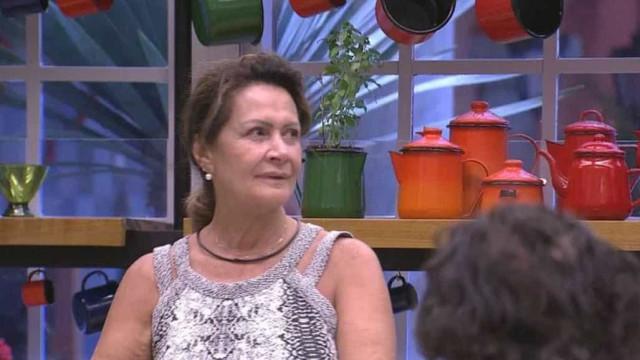 Luiz Felipe e Ieda brigam na cozinha do 'BBB17' por causa de um ovo