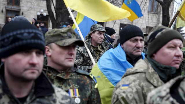 Kiev revive distúrbios de Maidan no 3º aniversário da manifestação