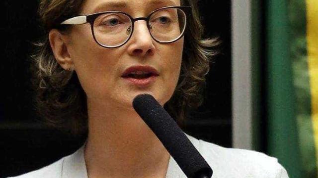Deputada denuncia que filha de  16 anos é vítima de criminosos na web