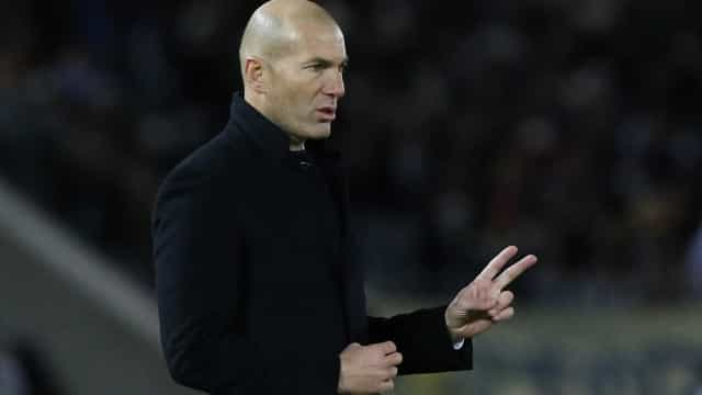 Após polêmica, Zidane nega ajuda da  arbitragem ao Real Madrid