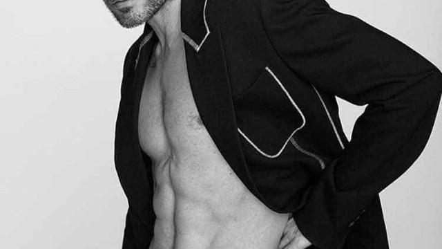 Jared Leto exibe corpo definido em ensaio para revista masculina