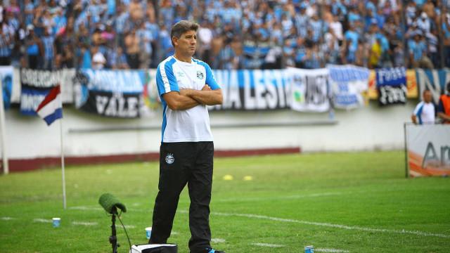 Grêmio reclama de pênalti e diz que lance  foi fundamental em derrota