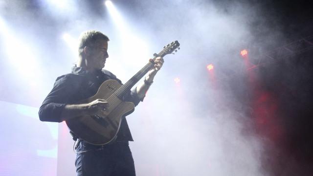 Polícia vai analisar vídeo de suposta agressão de cantor Victor