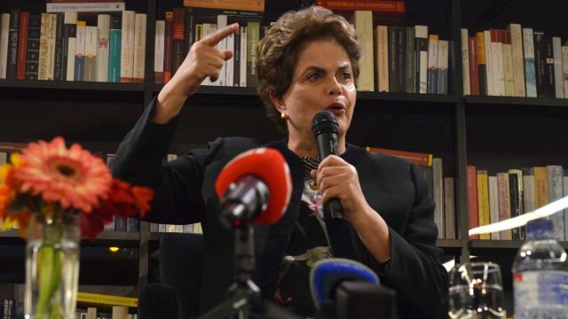 Dilma em Portugal: '2018 será o reencontro do Brasil com a democracia'