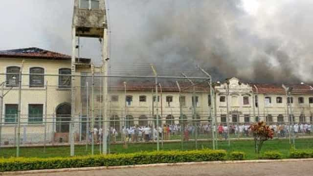 Detentos vão reconstruir presídio destruído durante rebelião em Bauru