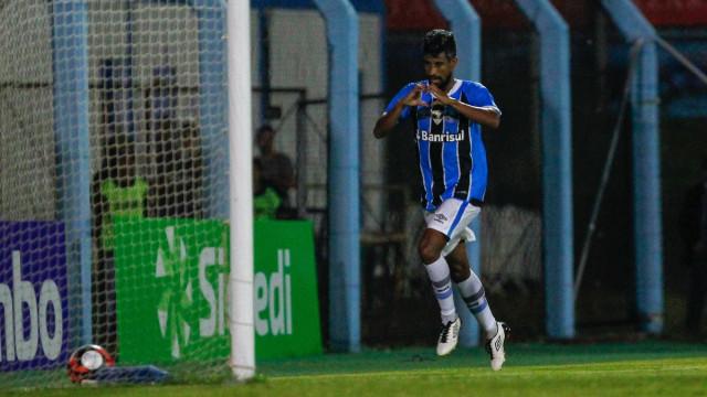 Grêmio joga mal, mas arranca empate com Novo Hamburgo