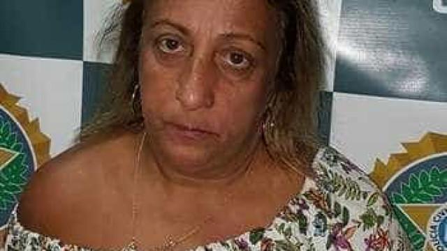 Mulher é presa por forjar documentos do Detran e vender carros roubados