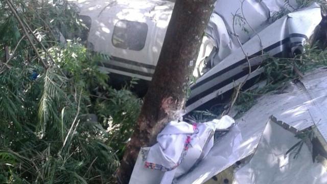 Avião cai em São Paulo e deixa mortos