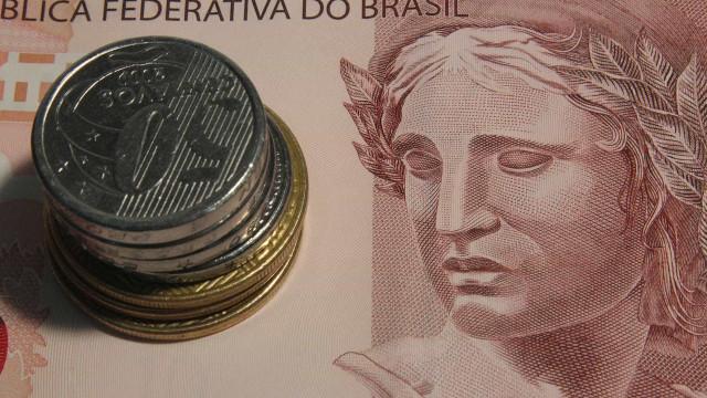 Mais de 700 mil pessoas já sacaram o dinheiro do FGTS, afirma Caixa