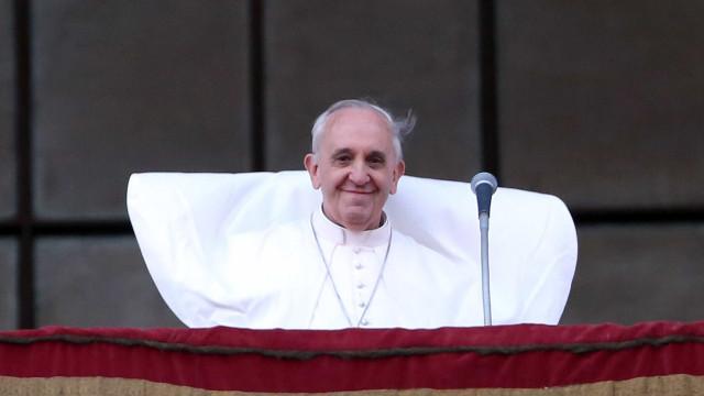 Vaticano acolhe 3ª família de refugiados sírios