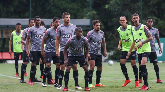 Carnaval atrasa exame e Maicosuel deve perder estreia da Libertadores