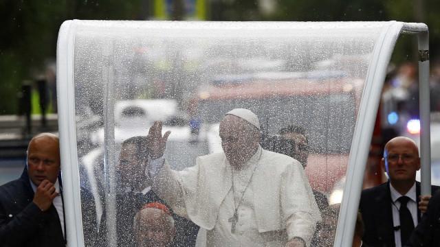 Papa não usará carro blindado no Egito, apesar de riscos
