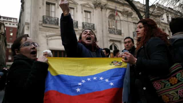 Venezuela convoca reunião extraordinária para denunciar violência