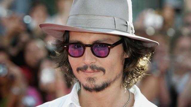 Johnny Depp culpa ex-empresários por dívida de 40 milhões de dólares