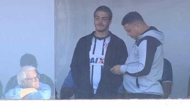 Ronaldo acompanha final entre Timão e Ponte no Moisés Lucarelli