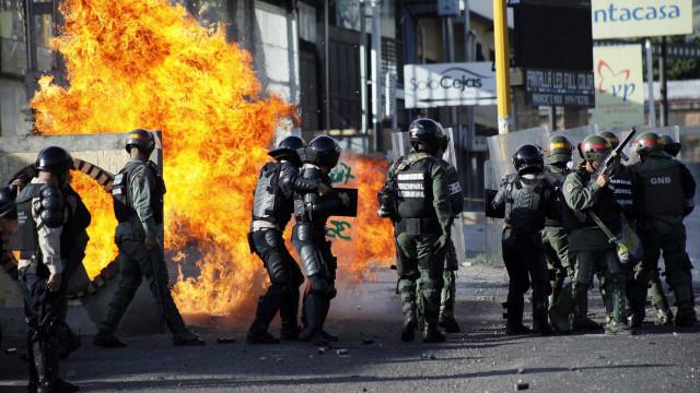 Venezuela anuncia  desmantelamento de 'célula armada'