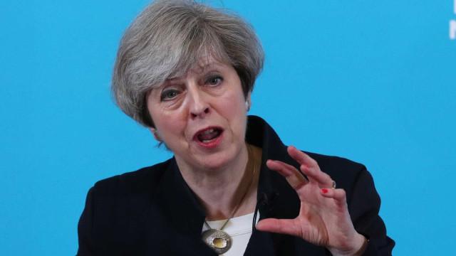 Partido Conservador de Theresa May lidera as intenções de voto