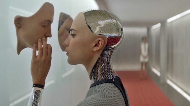 """Futuro dos humanos pode pertencer a máquinas com """"mentes digitais"""""""