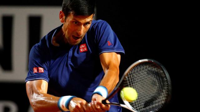 Com chuva, duelo entre Djokovic e Del Potro é suspenso e adiado