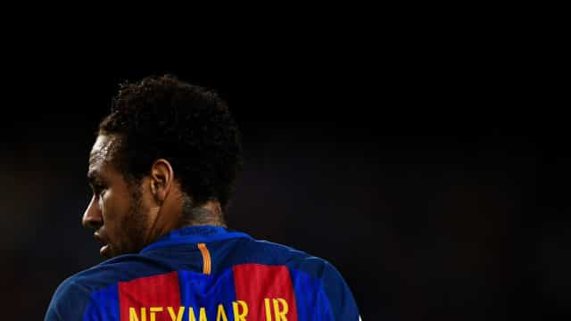 United e City farão de tudo para contratar Neymar, diz jornal britânico