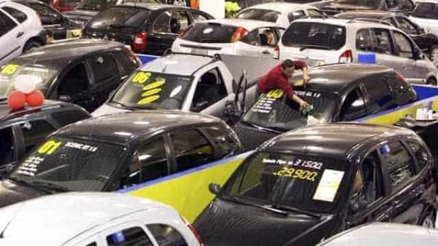 Venda de carros cresce nos primeiros cinco meses de 2017