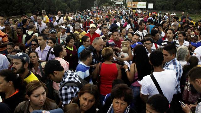 Pedidos de refúgio de venezuelanos em 2017 dobram em Roraima