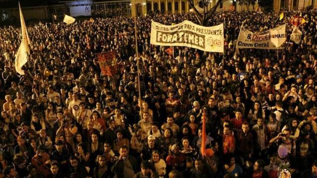 Movimentos sociais fazem ato por 'Diretas' em Belo Horizonte