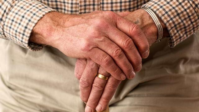 Alteração no Estatuto do Idoso dará preferência a maiores de 80 anos