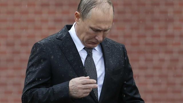 Líderes da UE aprovam extensão de sanções à Rússia