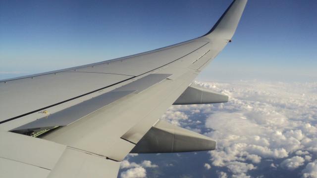 Companhia aérea quer cobrar mais barato e levar passageiros em pé