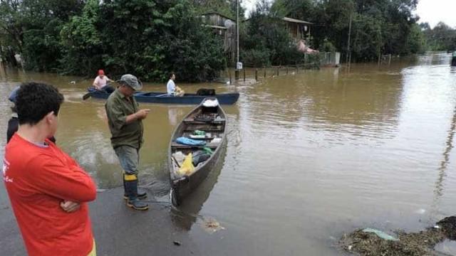 Chuvas levam seis cidades à situação de emergência no PR e RS