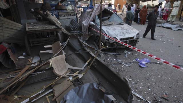 Explosão deixa quatro  mortos no Paquistão