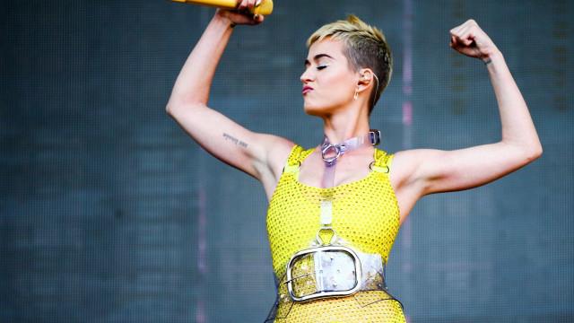 Katy Perry se derrete por Gretchen: 'Ela é a internet'