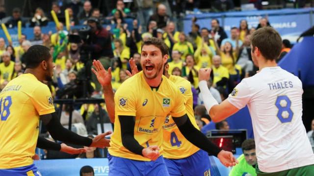 Brasil vence a Rússia e garante a liderança na Liga Mundial
