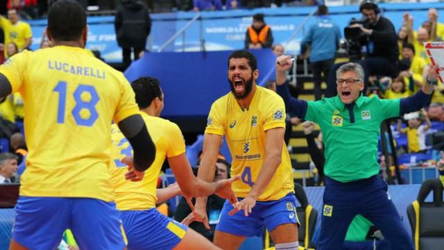 Brasil decide título da Liga Mundial contra a França neste sábado