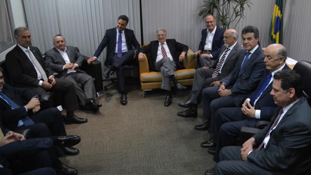 PSDB marca reunião de emergência para discutir saída do governo