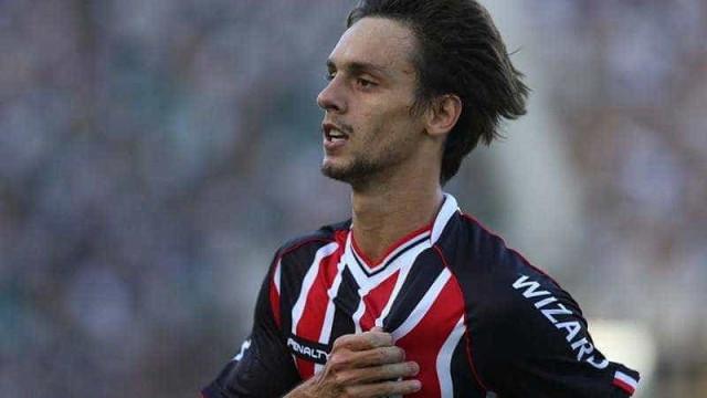 Sem oferta do Zenit em mãos, Rodrigo Caio é relacionado no São Paulo