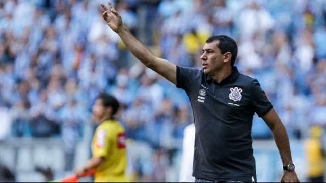 Fábio Carille valoriza ponto conquistado após empate em casa