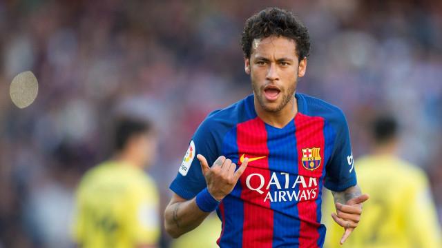 Neymar aceita proposta do PSG e deve deixar o Barça, diz TV