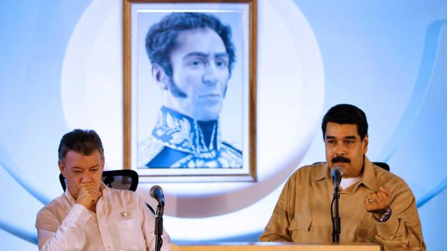 Líder colombiano se distancia de Maduro e pede fim da Constituinte