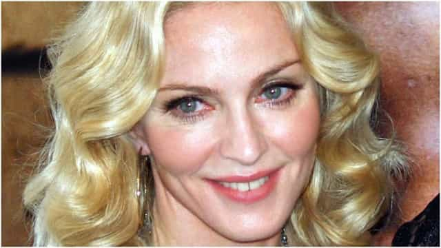 Madonna é vista novamente passeando por Lisboa; veja vídeo