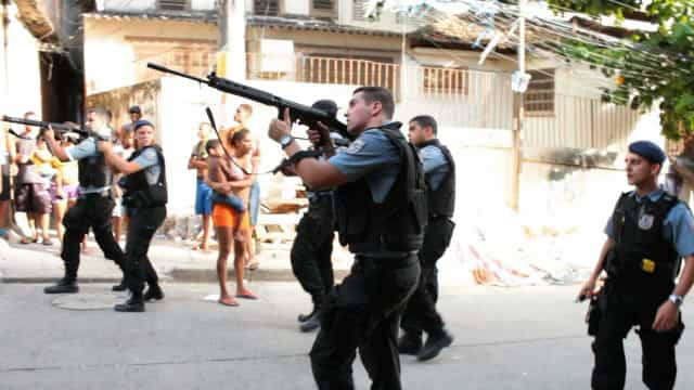 Homem acusado de matar policial na Mangueira é preso temporariamente