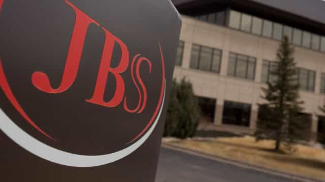 JBS fecha acordo com bancos  para adiar pagamento de dívidas