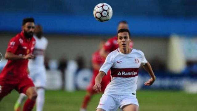 Inter leva gol no fim, perde para o Vila Nova  e tem técnico ameaçado
