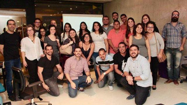 Com discurso contra polarização, grupo Acredito lança manifesto