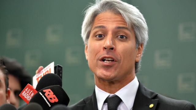 Oposição vai ao STF para votar denúncia da PGR e não relatório da CCJ