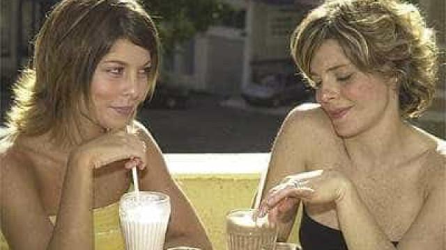 Globo censura cenas de casal lésbico em reprise de 'Senhora do Destino'