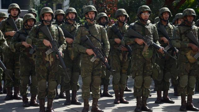 Presença de Temer no Rio leva Forças Armadas novamente às ruas