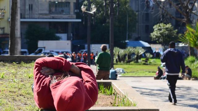 Três moradores de rua são mortos a tiros em São Paulo